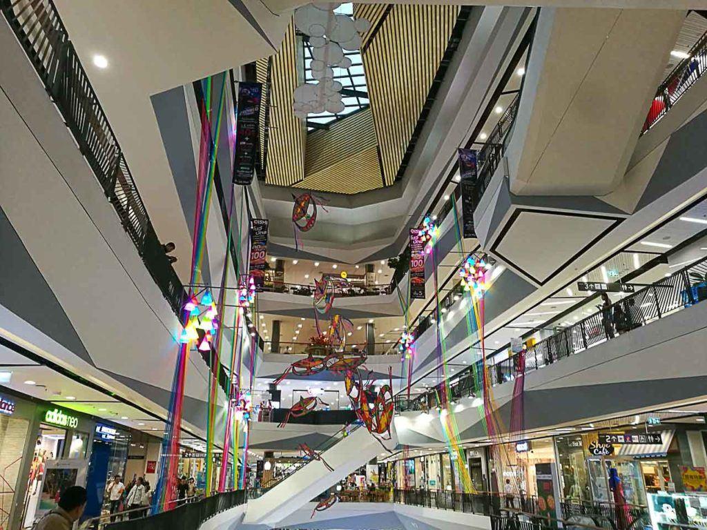 O Central Festival é o melhor lugar para fazer compras em Hat Yai, o shopping é imenso e tem lojas nacionais e internacionais.