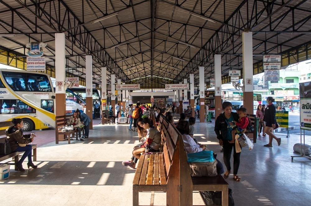 The bus stations in Thailand are very organized and clean, the only issue is the language barrier that can make any attempt to travel in Thailand by bus a big adventure.