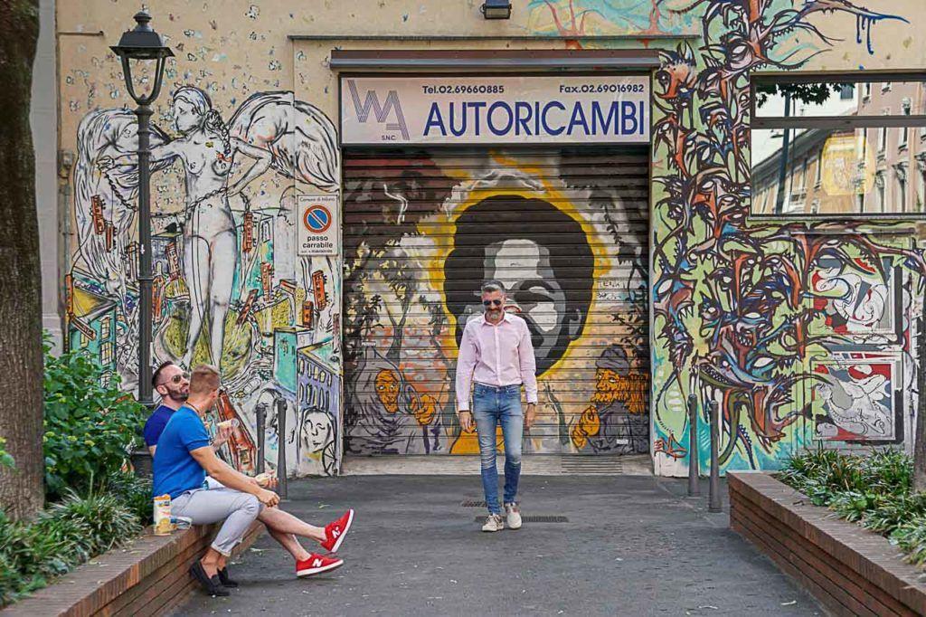 Depois vá visitar o bairro Isola e apreciar a arte de rua de Milão, Itália.