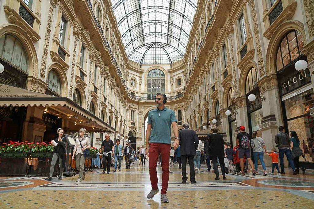During your 3 days in Milan visit the Galleria Vittorio Emanuele II during the day and night, it's stunning with the lights on.