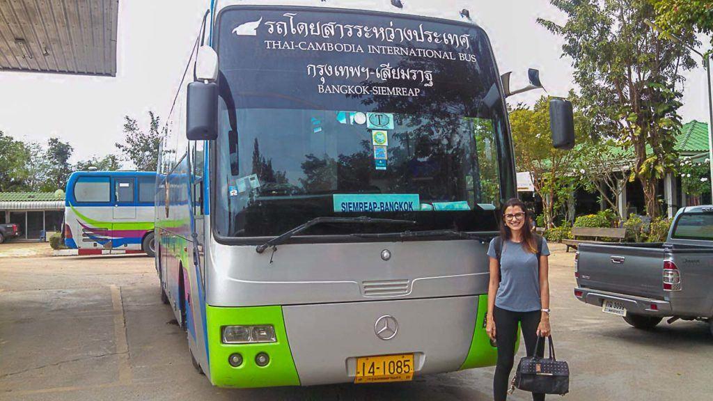 Vai aqui nosso guia de como viajar de ônibus na Tailândia, todas as dicas e informações que você precisa para planejar sua viagem pela Tailândia.