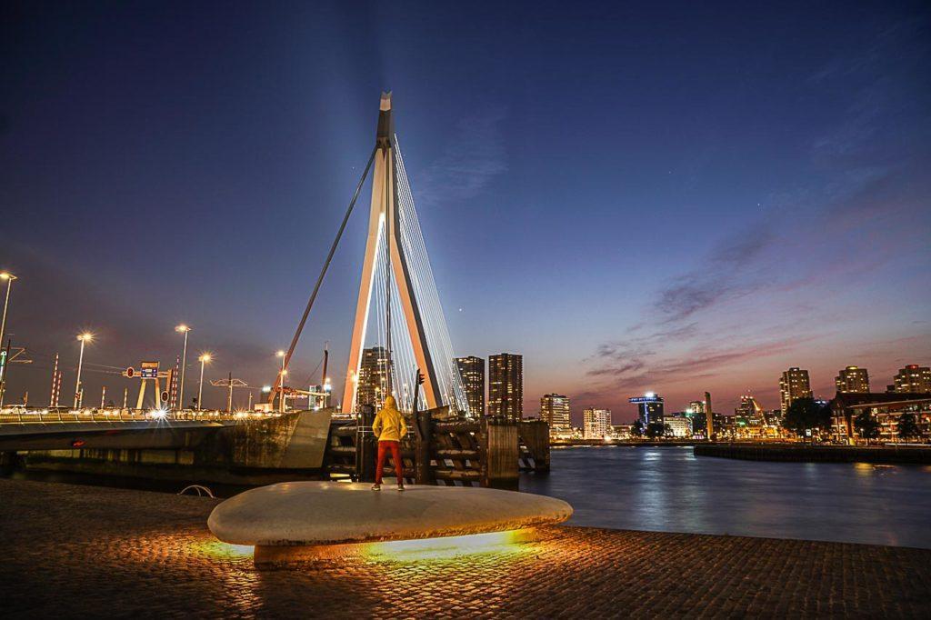 Sem dúvida Rotterdam é um das cidades européias mais interessantes para fotografia. Siga o nosso guia de onde tirar fotos em Rotterdam e curta sua viagem.
