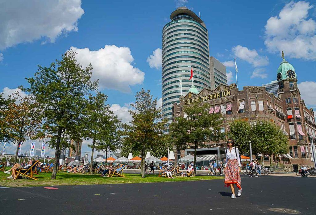 Kop van Zuid is one of our favorite areas in Rotterdam, there are so many cool things to see there.