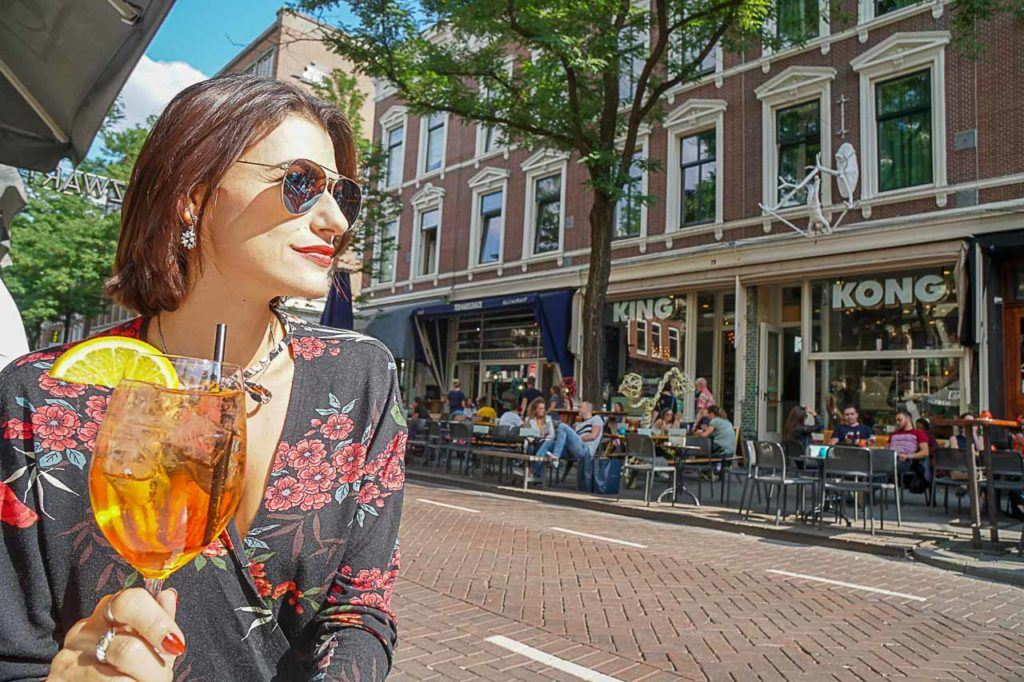 What to do in Rotterdam at the end of the day? Go for a happy hour at Witte de Withstraat Street.