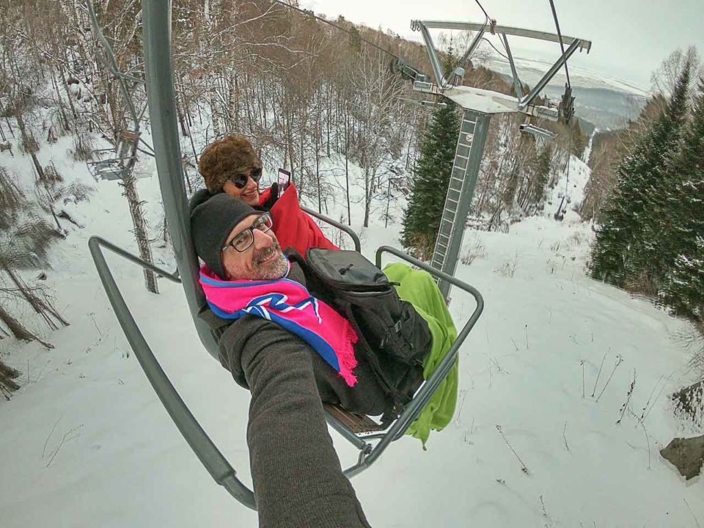 Quando viajar para Altai não esqueça de visitar a Montanha Tserkovka, o passeio de teleférico é muito divertido.