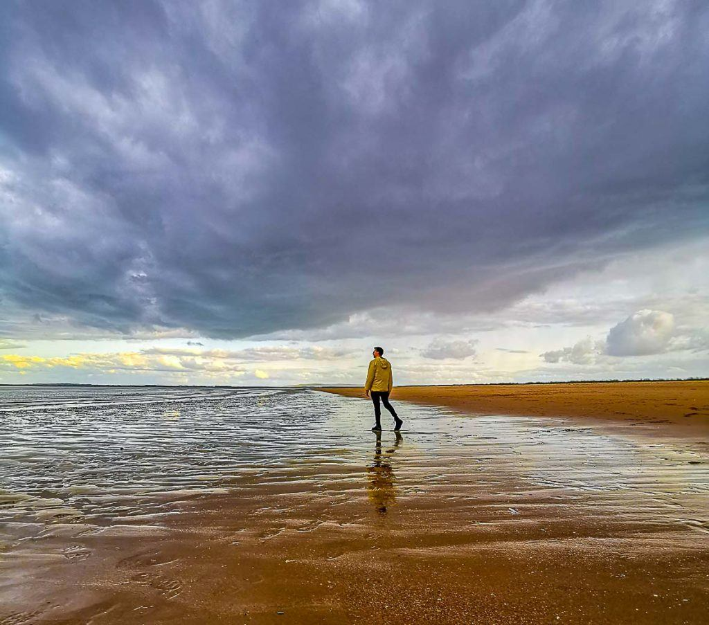 Não importa a estação do ano, um dos passeios mais bonitos para fazer em Dornoch é ir até a praia e apreciar a natureza.