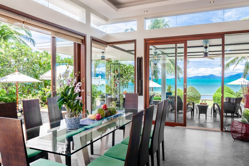 This is one of the best villas in Koh Samui, with its lovely natural touches and a minimalist design.