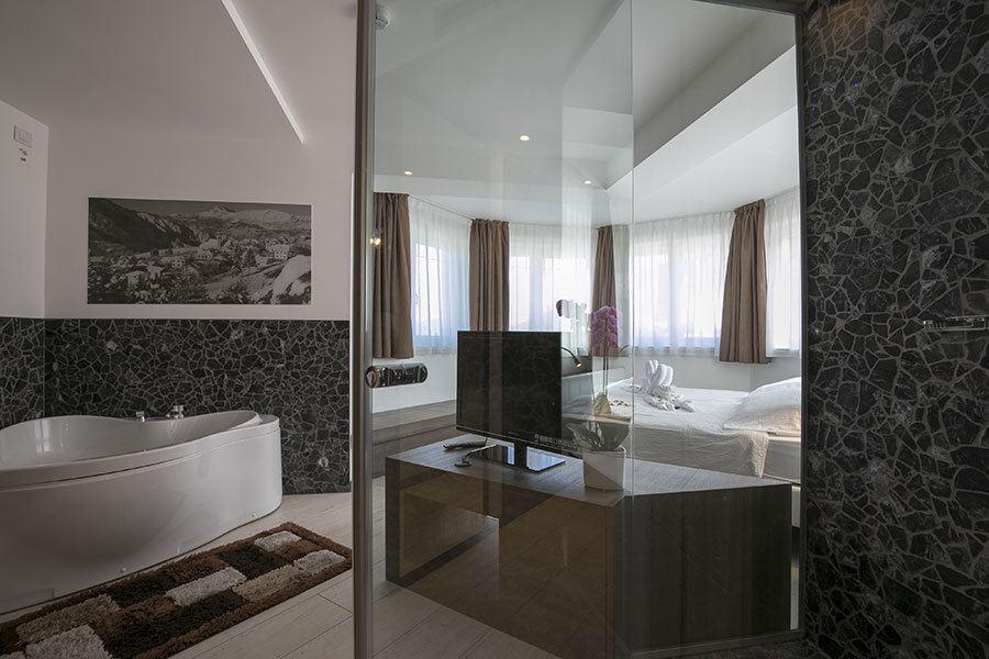 Where to stay in Alpe Cimbra - Hotel Luna Bianca