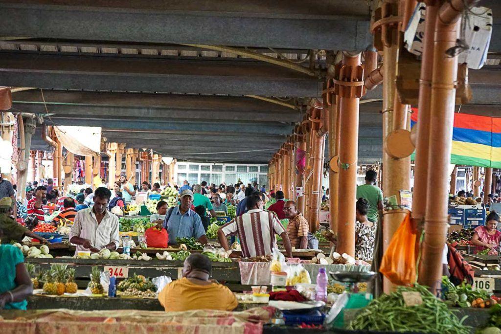 Mercado local nas Ilhas Maurício.