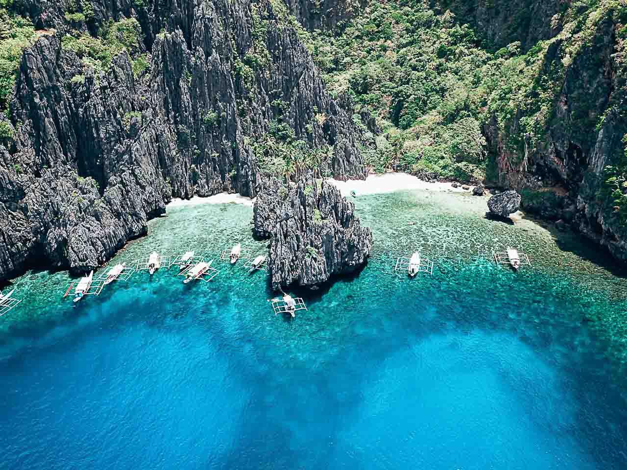 Coron or El Nido - the best of Palawan