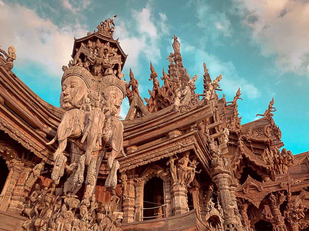 With us you will learn how to get to Pattaya to see beautiful temples like this one.