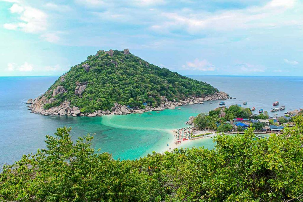 Discover how to get to Koh Tao from different places in Thailand.