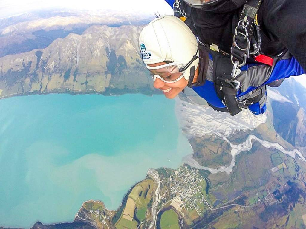 Skydiving na Nova Zelândia é uma das melhores opções para quem gosta de esportes de aventura.